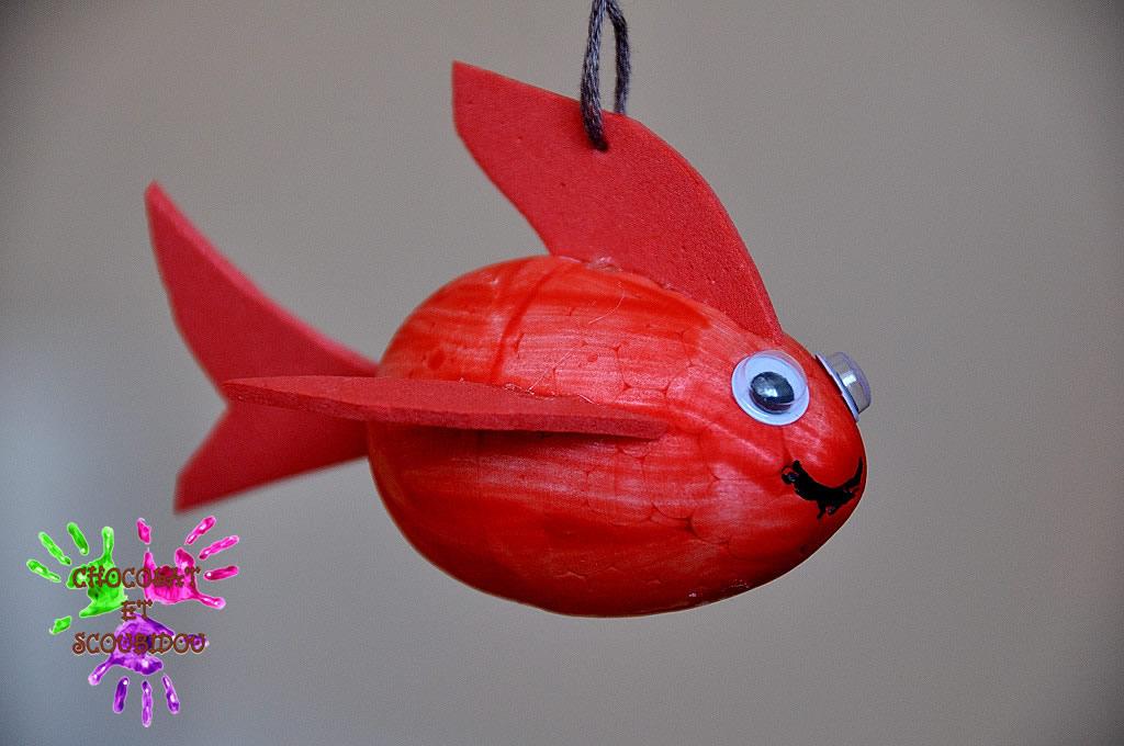 Petit poisson chocolat et scoubidou for Petit poisson rouge
