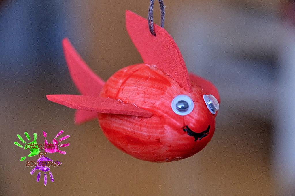 Petit poisson rouge chocolat et scoubidou for Petit poisson rouge