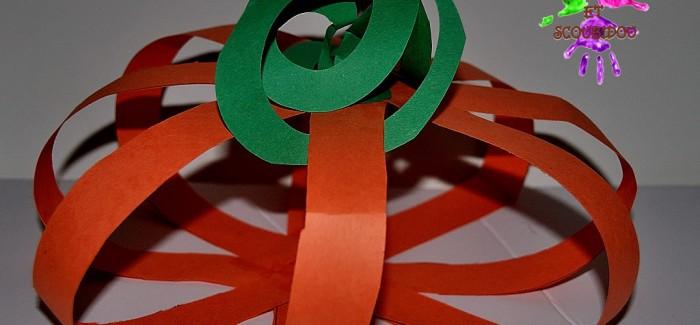Citrouille d 39 halloween en papier chocolat et scoubidou - Citrouille halloween en papier ...