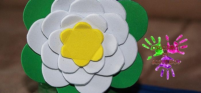 Fleur en mousse à plis