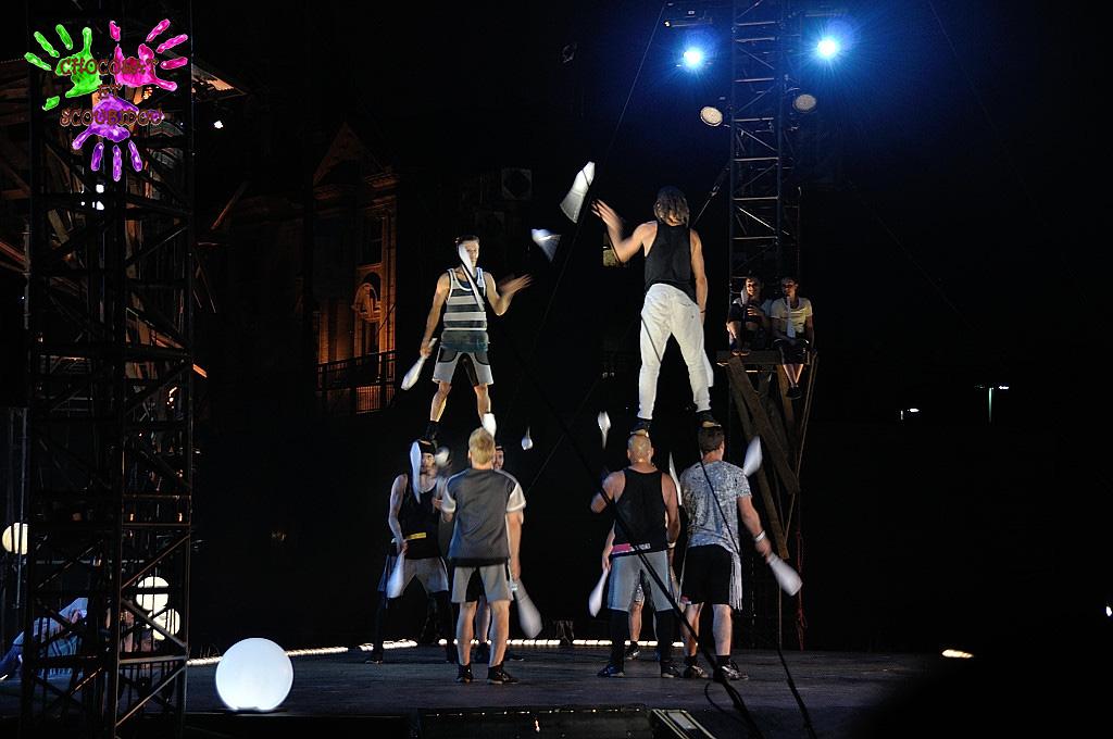 Crépuscule - Jonglage acrobatique