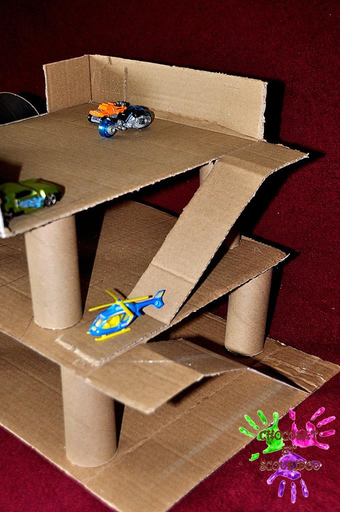 Populaire Garage en carton | Chocolat et Scoubidou XF73
