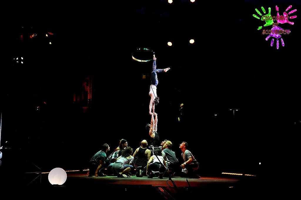 Crépuscule - Houla acrobatique